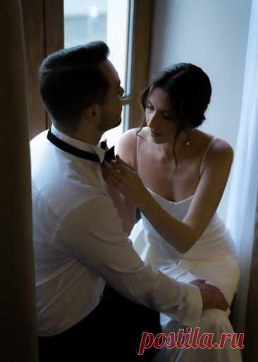 Ребята выбрали величественный Дворец бракосочетания №1 для регистрации и уютный ресторан для праздничного ужина. Свадьба-вдохновение!