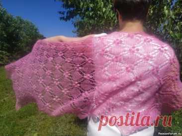 Мой первый палантин спицами из кидмохера Reina | Вязание шали спицами