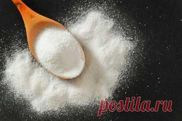 Нестандартное применение соды для чистоты и свежести Пищевая сода может быть использована далеко не только в кулинарии. Это крайне многосторонний компонент, который позволяет держать практически весь дом в чистоте. Оцените 20 полезных секретов с содой в...