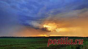 Потрясный закат в кадре Александра Спирова: nat-geo.ru/community/user/203880/ Доброй ночи.