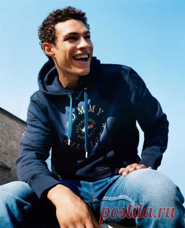 5 Stylish And Modern Ways To Wear A Men's Hoodie |