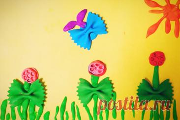 Весна из пластилина – дети проявили свою фантазию  Пластилин – это чудесный материал для ручной работы. Он очень пластичный, из него можно слепить практически все, что угодно. Поделки из пластилина радуют и удивляют увидевших их людей. Слепить можно любой предмет, даже атрибуты весны. Наш частный детский сад Классическое образование предложил своим воспитанникам на уроке творчества изготовить нежную весеннюю аппликацию.