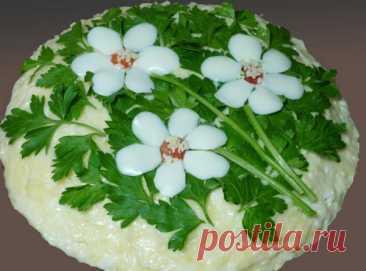 """Удивительно вкусный салат с корейской морковью и грибами """"Три цветка"""""""