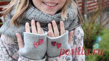 Стильные митенки за 10 минут Митенки — очень модный аксессуар, который актуален как в демисезонном, так и в зимнем гардеробе. Защищая руки от холода, они не сковывают движения пальцев. Такие перчатки — незаменимая вещь для автомо...