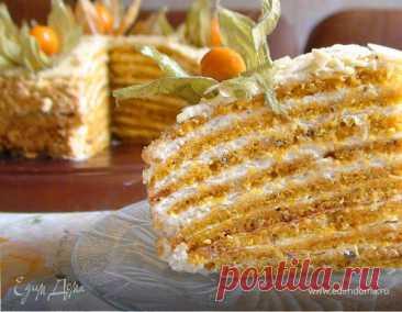 Тыквенный торт с апельсином и орехами под белым шоколадом, рецепт с ингредиентами: тыква, яйца куриные, сахар