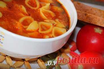 Пикантный томатный суп с макаронами – очень вкусно и оригинально!