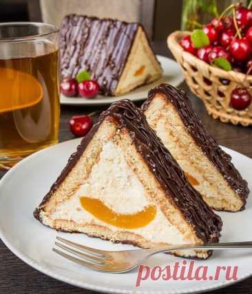 """ТОРТ """"ШАЛАШ ЛЮБВИ"""" - Что приготовить на ... Очередной рецепт для тех, кто любит домашние сладости, но терпеть не может возню с тестом и стояние у плиты. Это торт без выпечки — многим он знаком еще с детства. Довольно просто и очень вкусно."""