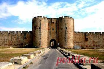 Крепость Эг-Морт, город «мертвой воды». Франция.
