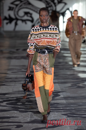 Etro Fall 2021 Ready-to-Wear Fashion Show | Vogue