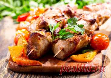 Los tipos de la marinada para el shashlik