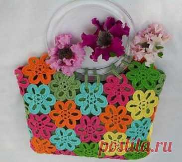 Милая сумочка из цветочных мотивов из категории Интересные идеи – Вязаные идеи, идеи для вязания