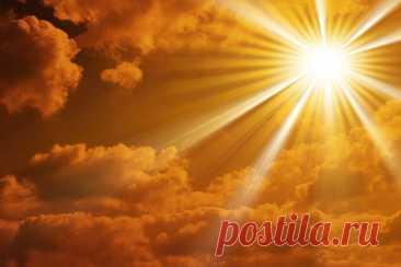 """ОБЕРЕГ ДЛЯ НЕУЯЗВИМОСТИ ЧЕЛОВЕКА:  Читать в любой христианский праздник с утра перед горящей свечей три раза. Слова, когда читаешь для близких просто нужно поменять по тексту.  """" Благослови меня, Ангел- хранитель,мои дела, мои слова. моё тело бело. Господь Бог меня благословляет,Ангел, мой хранитель, оберегает. Рана не к телу, опасность не к делу, кровь не к плоти, слёзы не к очам, а ножны к вражеским мечам. Слово моё на замке. Ключ от замка в реке. Во имя отца и Сына и св..."""