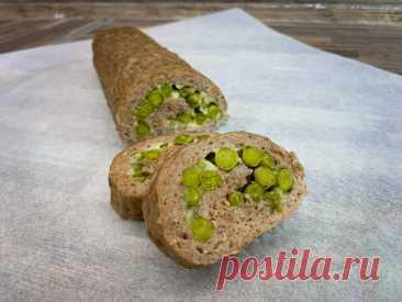 Мясной рулет с зелёным горошком «Это что-то новенькое» вкусный и легкий рецепт мясного рулета с зелёным горошком.  Так просто и так красиво.Рецепт закуски:Свино-говяжий фарш - 500 г.Лук - 1 шт.Белый хлеб - 3 кусочкаМолоко - 200 мл.Сыр - 100 г.Соль - по вкусуПерец - по вкусуЗелёный горошек - 250 г.ПОДРОБНЫЙ...