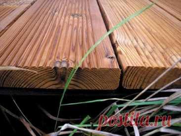 Чем обработать пол в бане - Мужской журнал JK Men's Настоящая русская баня строится исключительно из дерева, но, из-за того, что здесь встречается одновременно большая влажность и высокая температура, возникают