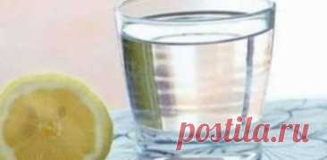 Вам говорили, що пити теплу воду з лимоном — це добре, але вам ніхто не говорив найважливішого — Поради