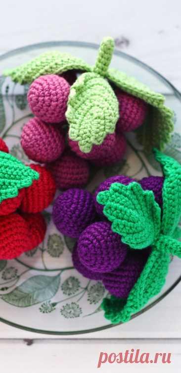 PDF Гроздь винограда крючком. FREE crochet pattern; Аmigurumi berry patterns. Амигуруми схемы и описания на русском. Вязаные игрушки и поделки своими руками #amimore - виноград с листьями, гроздь винограда.