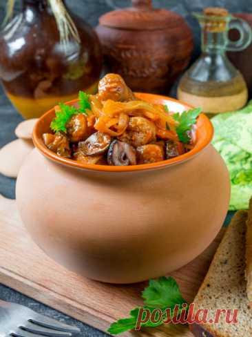 Рецепт капустной солянки с колбасками и грибами на Вкусном Блоге