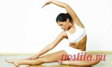 Упражнения для здоровой спины Эти упражнения преследуют следующие цели:- вытягивание спинного хребта;- усиление задних мышц плеч;- укрепление стабилизирующих мышц между лопатками;- снятие напряжения;- устранение торчащих лопаток.Упражнение 1Исходное положение: Для выполнения упражнения необходимо лечь на живот, ноги...