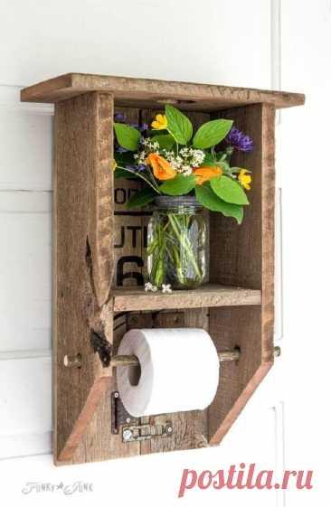 Идеи применения деревянных досок в ванной Ненужные на первый взгляд деревянные дощечки — настоящая находка. Несколько гвоздей и доски превращаются в стильную и оригинальную мебель или декоративные элементы, которые вписываются в интерьер абсо...