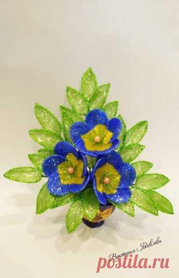 Мини мастер-класс по плетению сине-зеленых цветочков
