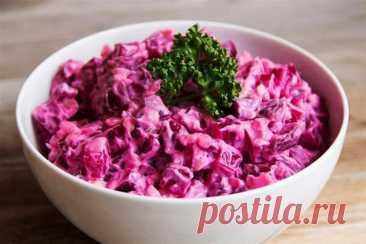"""Свекольный салат """"Невозможно оторваться""""   Кулинарные записки обо всём   Пульс Mail.ru Он получается необычным, сытным, с приятным пикантным вкусом, что просто невозможно оторваться."""