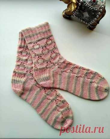 Мягкие носочки, вяжем спицами