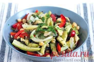 Рецепт: Салат с нутом, запечёнными овощами и маслинами на RussianFood.com
