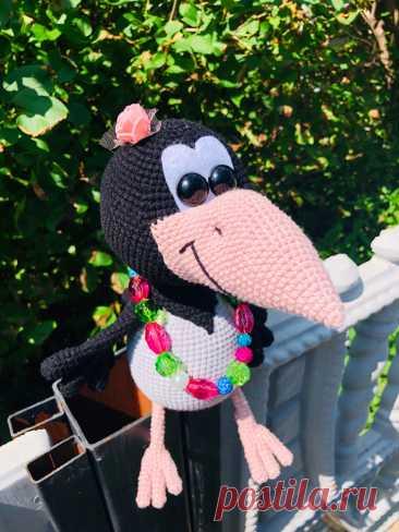 PDF Ворона Алёна крючком. FREE crochet pattern; Аmigurumi bird patterns. Амигуруми схемы и описания на русском. Вязаные игрушки и поделки своими руками #amimore - ворона, ворон, птица, птичка.