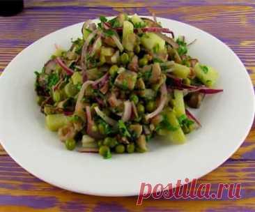 Картофельный салат с сельдью без майонеза Люблю разные быстрые рецепты салатов. В моей копилке, таких рецептов много. Вот, например, один из них предлагаю Вам приготовить - вкусный картофельный салат с сельдью без майонеза.