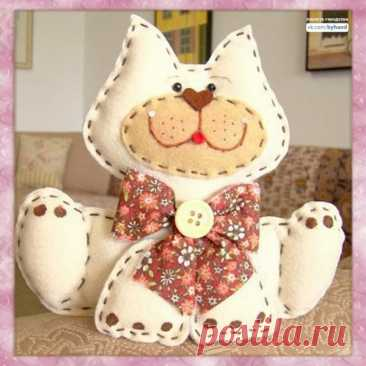 Милый текстильный котик
