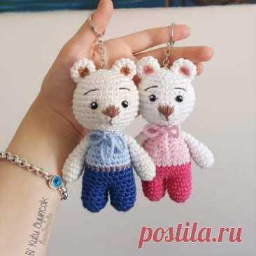 Маленький мишка крючком: описание Милые мишки амигуруми связаны из хлопковой пряжи, размер игрушки 10-11 см. Автор игрушки и фото - Bi'kutu Oyuncak.