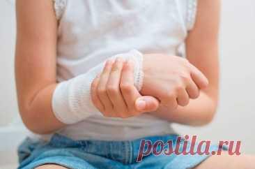 Лечение солью и солевыми повязками в домашних условиях Лечение солью и солевыми повязками. Как приготовить раствор нужной концентрации. В каких случаях можно использовать. Как наложить повязку правильно