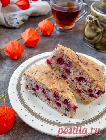 Клюквенный пирог с грецкими орехами на Вкусном Блоге Как насчет вкусного пирога с клюквой? Сезон этой ягоды уже начался, и я предлагаю хорошенько с ней поработать. Начнем с простой выпечки, которую очень легко готовить 🙂 В этом пироге кислая клюква отлично контрастирует со сладким мякишем пирога. Особую изюминку придает дробленый грецкий орех. Ягоды для пирога можно использовать и…