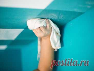 Как правильно помыть натяжной потолок и не испортить его   Ремонт и быт   Пульс Mail.ru Мытье натяжного потолка — занятие не из простых. Правда, есть несколько приемов, что несколько скрашивают это незатейливое времяпрепровождение....