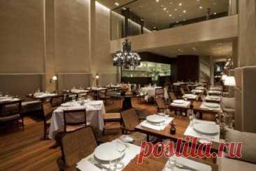 D.O.M - DYNASTY OF CHEFS Лучший ресторан страны с удивительным интерьером - вход в ресторан открывает пятиметровая деревянная дверь, а все стены в здании оформлены