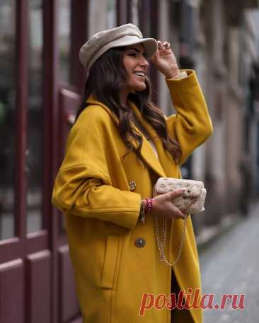 Модное пальто осень-зима 2021-2022: модели, которые будут на пике популярности Лучшим спутником стиля осенью и зимой является пальто. Его элегантность проверена годами. Модные эксперты назвали ее классическим видом верхней одежды, и с этим мнением трудно не согласиться. Какие ...