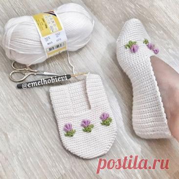 Вязаные носочки-тапочки с бантиками крючком   ВЯЗАНИЕ СПИЦАМИ И КРЮЧКОМ  