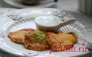 Драники по-английски: берем 2 картофелины и добавляем к ним сыр