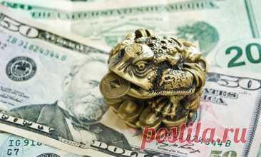 Какие читать сильные заговоры, чтобы деньги водились? Заговоры на денежный поток: в кошельке новый кошелек для купюр и монет - улучшат ваше финансовое положение. В основном они проходят дома. Комфортное