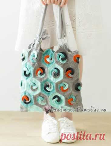 Летняя сумка-мешок крючком в стиле пэчворк