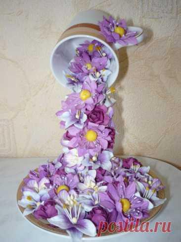 Цветочный водопад из чашки, подвешенный в воздухе — Сделай сам, идеи для творчества - DIY Ideas