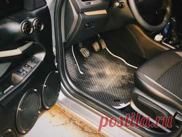 Автомобильные коврики в салон и багажник — эстетика и защита
