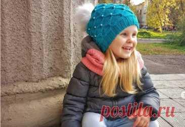 Какие прически можно носить под шапкой? Осень и шапки - это не повод ходить девочке без красивой прически. Предлагаем вашему вниманию пять простых причесок, которые не испортятся под шапкой.
