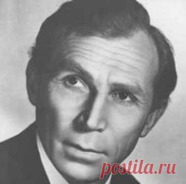 Сегодня 02 мая в 1993 году умер(ла) Иван Лапиков