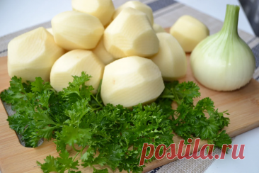 Когда хочется вкусных оладьев, пеку их исключительно только из картофеля. (простой способ вкусно накормить всю семью) | Елена/НедОсолила | Яндекс Дзен