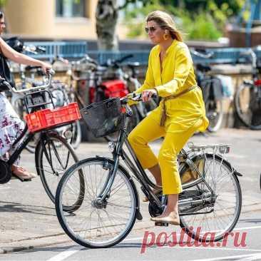 Королевский стиль: как выглядят и одеваются современные королевы Европы | Мода. Стиль. Личность | Яндекс Дзен