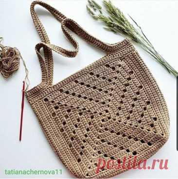 Сумка из квадратных мотивов, крючком. Схема. / knittingideas.ru