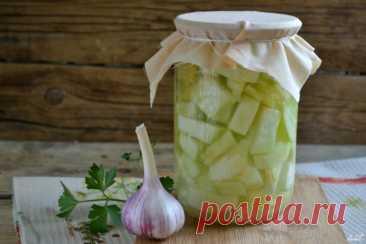 Los calabacines en la salsa de ajo para el invierno - poshagovyy la receta de la foto en Повар.ру