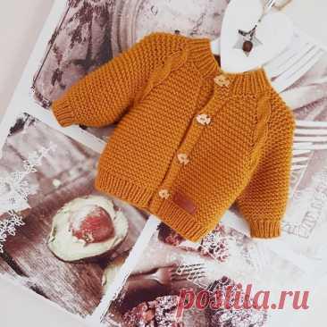 Горчичный жакет со жгутами. Автор knitting_ with_love_sv  размер 6-9 месяцев пряжа Alize lanagold (1,5 мотка ,в 1 моточке 100 гр=240 м) Показать полностью...