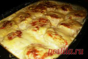 Домашние куриные котлетки сливочно- сырном соусе